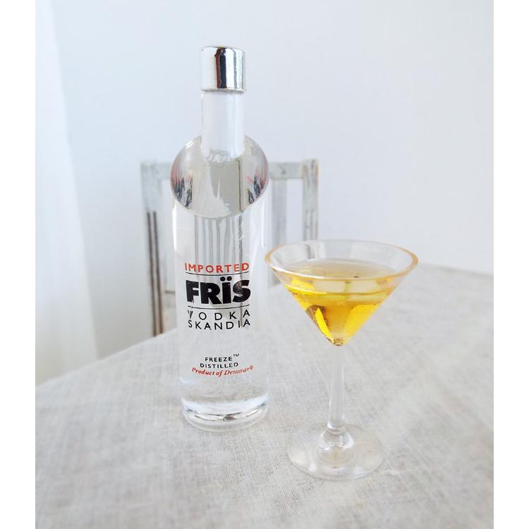 Frïs Vodka Packaging